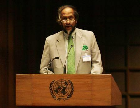 Rajendra Pachauri, head of the U.N.'s Intergovernmental Panel on Climate Change (IPCC), is seen in Bangkok in this April 30, 2007 file photo.  REUTERS/Chaiwat Subprasom