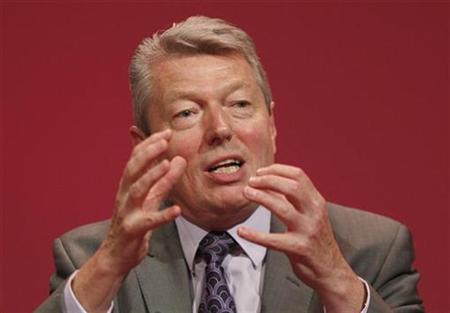 Health Secretary, Alan Johnson, addresses the annual Labour Party conference in Bournemouth, September 25, 2007.Obesity could be as big a crisis as climate change unless Britons start to lose weight soon, Johnson warned on Sunday. REUTERS/Stephen Hird