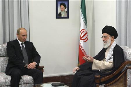 Iran's Supreme Leader Ayatollah Ali Khamenei (R) speaks with Russia's President Vladimir Putin during an official meeting in Tehran October 16, 2007. REUTERS/Stringer