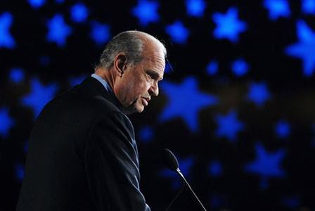 Republican presidential candidate Fred Thompson speaks at a Family Research Council ''Values Voter Summit'' in Washington October 19, 2007. REUTERS/Jonathan Ernst