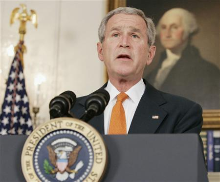 U.S. President George W. Bush talks about sanctions against Myanmar's military junta in the Diplomatic Room of the White House in Washington October 19, 2007. REUTERS/Larry Downing