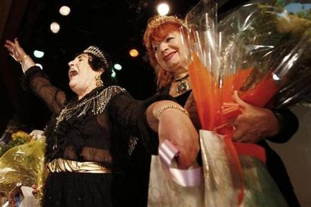 Participants Galina Ostrowics (L) and Anna Malkina-Shumayev (R) pose after winning ''Ms Grandmother'' and ''Ms Queen Grandmother'' at the 2007 ''Your Highness Grandmother'' pageant in Brooklyn, New York, October 20, 2007. REUTERS/Mike Segar