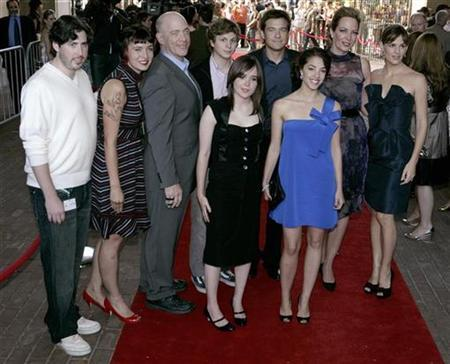 Cast members (L-R) Jason Reitman, Diablo Cody, J.K Simmons, Michael Cera, Ellen Page, Jason Bateman, Olivia Thirlby, Allison Janney, Jennifer Garner arrive for the premiere gala of the film ''Juno'' during the 32nd Toronto International Film Festival, September 8, 2007. ''Juno'', the story of an American teenager dealing with an unplanned pregnancy, won the best film award at the Rome film festival on Saturday. REUTERS/Mark Blinch