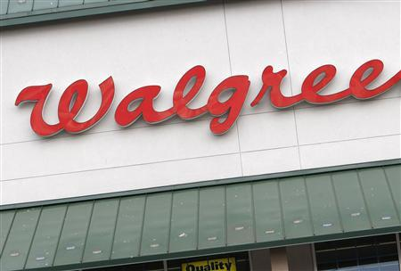 A Walgreens store in Golden, Colorado, June 25, 2007. Walgreen plans to put kiosks that can make DVDs of popular movies in drugstore photo departments next year, using a new system that would increase selection while avoiding piracy. REUTERS/Rick Wilking
