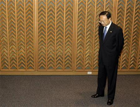 China's Foreign Minister Yang Jiechi waits before the start of a bilateral meeting in Manila August 1, 2007. Yang will go to Iran for talks on Tehran's nuclear dispute, officials said on Monday, underscoring the growing pressure on Beijing to help end the standoff. REUTERS/Darren Whiteside
