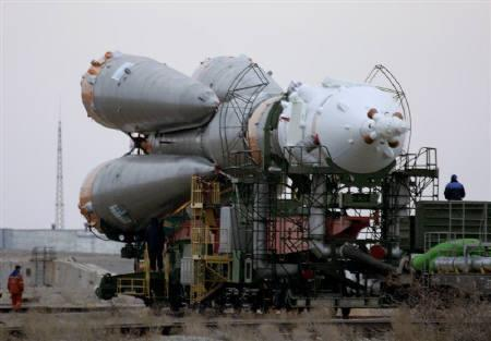 Russian Soyuz TMA-10 spacecraft is seen being transported to its launch pad on Baikonur cosmodrome in this April 5, 2007 file photo. Russia will build a new space launch centre in the Far East by 2015, Russian media reported on Thursday, citing First Deputy Prime Minister Sergei Ivanov.   REUTERS/Shamil Zhumatov