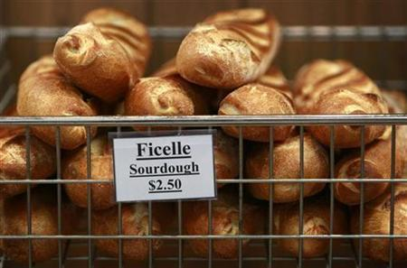 Bread rolls are seen in a rack in a North Sydney Bakery September 18, 2007. REUTERS/Tim Wimborne