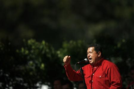 Venezuela's President Hugo Chavez speaks to supporters during an event in Caracas November 26, 2007. REUTERS/Jorge Silva