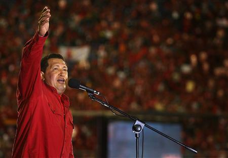 Venezuela's President Hugo Chavez attends a campaign rally at 'Pachencho' Romero stadium in the western city of Maracaibo November 25, 2007. Venezuelans will vote on Chavez's proposal of constitutional changes in a referendum on December 2. REUTERS/Comando Zamora/Handout