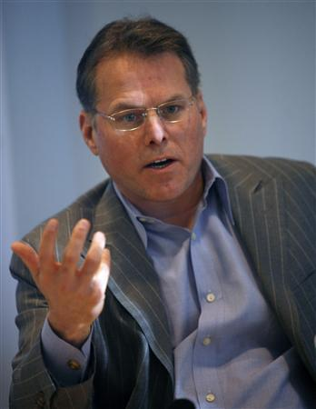 David Zaslav, Chief Executive Officer of Discovery Communications, speaks at the Reuters Media Summit in New York, November 28, 2007. REUTERS/Brendan McDermid