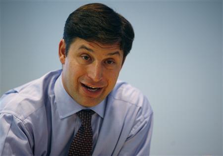 Goldman Sachs Internet and Media analyst, Anthony Noto, speaks at the Reuters Media Summit in New York, November 28, 2007. REUTERS/Brendan Mcdermid