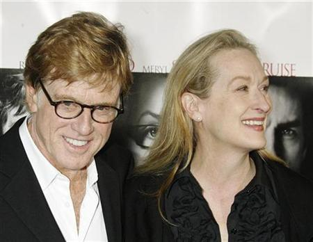 Robert Redford (L) and Meryl Streep, stars of the film ''Lions for Lambs'', pose as they arrive for a screening of the film directed by Redford at the opening of the AFI Fest 2007 film festival in Hollywood November 1, 2007. REUTERS/Fred Prouser