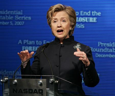 Democratic presidential candidate Senator Hillary Clinton (D-NY) delivers an economic policy address at the NASDAQ Marketsite in New York, December 5, 2007. REUTERS/Shannon Stapleton
