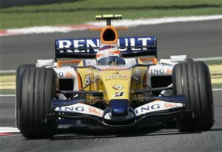 Renault's Formula One driver Heikki Kovalainen during a practice session for the Spanish Grand Prix outside Barcelona, May 12, 2007. Former world champions Renault escaped punishment on Thursday despite being found guilty in the second major spying controversy to hit Formula One this year. REUTERS/Gustau Nacarino