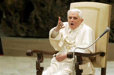 Pope Benedict XVI gestures during his weekly general audience in Paul VI hall at the Vatican December 12, 2007. REUTERS/Dario Pignatelli