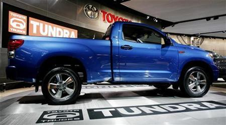 The newly designed Toyota Tundra pickup truck is seen at the 2007 North American International Auto Show in Detroit, Michigan January 8, 2007. Toyota Motor Corp said on Friday that it is recalling 15,600 Tundra pickup trucks in the United States because a rear propeller shaft may separate at the joint. REUTERS/Gary Cameron