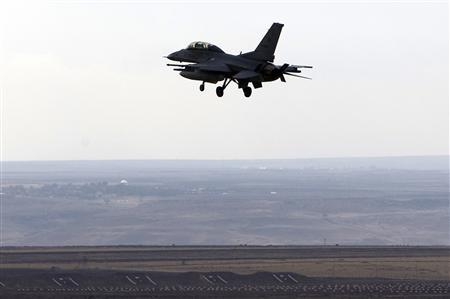 A Turkish F-16 jet returns to the military airbase, in the southeastern Turkish city of Diyarbakir, November 9, 2007. Turkish warplanes targeting Kurdish rebels bombed villages deep in northern Iraq on Sunday, killing one woman and forcing hundreds of people to flee their homes, local officials said. REUTERS/Osman Orsal