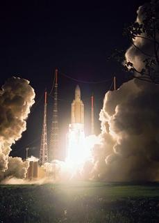 An Ariane-5 rocket blasts off from French Guiana, December 21, 2007. REUTERS/J.R. Dagois/ESA/ARIANESPACE/Handout