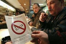 <p>Francia, ultime proteste per divieto anti-fumo. REUTERS/Pascal Rossignol</p>