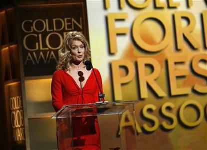 Entertainment journalist Mary Hart announces winners at the 65th annual Golden Globe Awards news conference at the Beverly Hilton hotel in Beverly Hills, January 13, 2008. REUTERS/Mario Anzuoni
