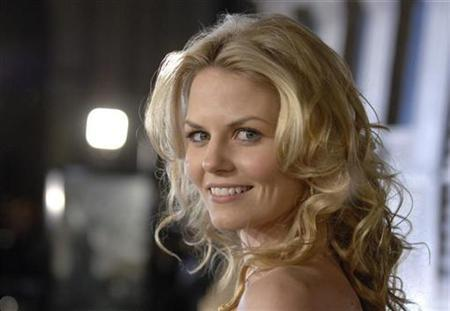 Actress Jennifer Morrison attends the premiere of ''Cloverfield'' in Los Angeles January 16, 2008. REUTERS/Phil McCarten