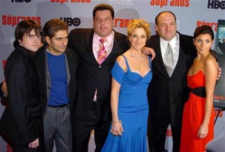 Cast members Robert Iler, Michael Imperioli, Steve Schirripa, Edie Falco, James Gandolfini, and Jamie-Lynn Sigler (L-R) arrive for the premiere of the 6th season of the HBO hit TV series ''The Sopranos'' at the Museum of Modern Art in New York March 7, 2006. REUTERS/Robert Caplin