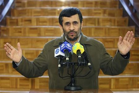 Iran's President Mahmoud Ahmadinejad speaks with journalists after meeting with his cabinet in Tehran January 23, 2008. REUTERS/FARS NEWS