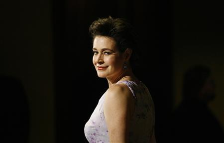 Sean Young poses at the 60th Annual Directors Guild of America Awards in Century City, California, January 26, 2008. REUTERS/Mario Anzuoni