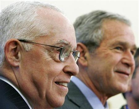 Attorney General Michael Mukasey and President Bush at the White House, December 12, 2007. Mukasey faces a clash on Wednesday with Senate Democrats after he rejected demands to rule on the legality of an interrogation technique known as waterboarding REUTERS/Jim Young