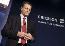 <p>Carl-Henric Svanberg, directeur général d'Ericsson. L'équipementier télécoms devrait supprimer autour de 4.000 emplois globalement pour réduire ses coûts. /Photo prise le 16 octobre 2007/REUTERS/Jonas Ekstromer/Scanpix</p>