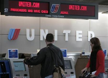 New Ual Bag Check Fee Ruffles Travelers 39 Feathers Reuters