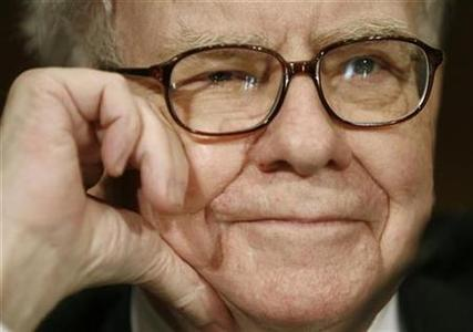 Warren Buffett, chairman and CEO of Berkshire Hathaway, listens to a question during testimony at a Senate Finance Committee hearing on Capitol Hill in Washington, November 14, 2007. The woes in the U.S. financial sector are ''poetic justice'' for bankers who designed and sold complex investments that have since gone sour, Buffett said on Wednesday. REUTERS/Jason Reed
