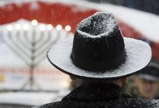 <p>Un rabbino durante una celebrazione. REUTERS/Shamil Zhumatov</p>