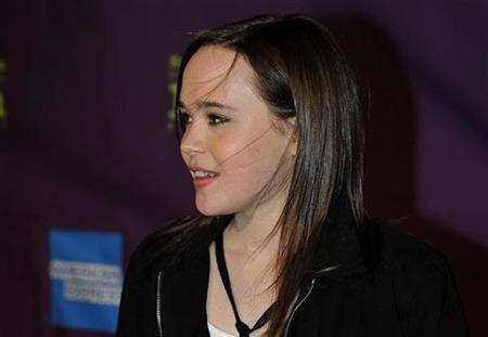 Actress Ellen Page, star of Oscar-nominated film ''Juno'', arrives at the Santa Barbara International Film Festival in Santa Barbara, California, January 30, 2008. REUTERS/Phil Klein