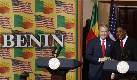 US President George W. Bush (L) holds a joint press availability with Benin's President Thomas Boni Yayi in Cotonou February 16, 2008. REUTERS/Jim Young
