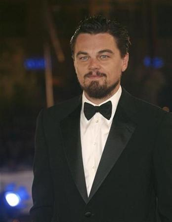 Leonardo Dicaprio arrives a the opening ceremony of the Marrakesh 7th International Film Festival, December 7, 2007. REUTERS/Jean Blondin