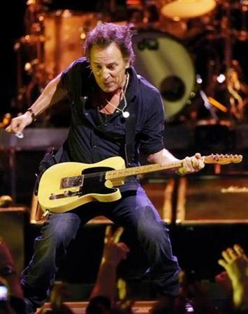 U.S. musician Bruce Springsteen and The E Street Band perform during a concert at the Oslo Spectrum December 4, 2007. REUTERS/Cornelius Poppe/Scanpix Norway