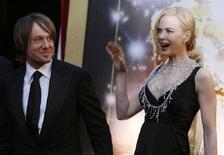 <p>L'attrice Nicole Kidman durante la notte degli Oscar con il marito Keith Urban. REUTERS/Lucas Jackson</p>