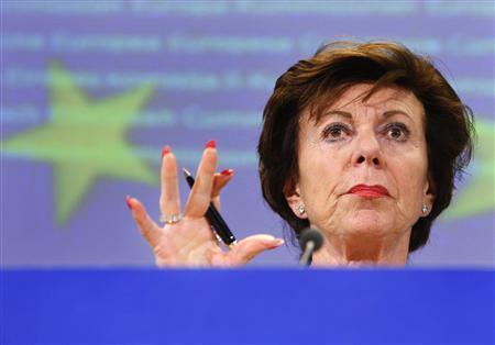 European Competition Commissioner Neelie Kroes holds a news conference on a fines imposed to Microsoft in Brussels February 27, 2008. REUTERS/Yves Herman