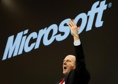 Microsoft Chief Executive Officer Steve Ballmer addresses a news conference in the northern German town of Hanover March 3, 2008. Ballmer pledged on Thursday he will gain share against Google in online advertising and Web searching even if it is in his ''last breath'' at the company. REUTERS/Christian Charisius