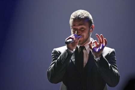 Singer Justin Timberlake performs during his concert marking the first British leg of his European tour at the Odyssey Arena in Belfast, Northern Ireland in this April 24, 2007 file photo. Timberlake is helping to bring a hit Peruvian comedy to NBC. REUTERS/Andrew Paton/Files