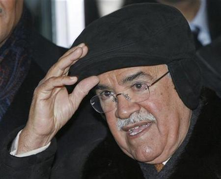Saudi Arabia's Oil Minister Ali al-Naimi arrives in the OPEC headquarters for a meeting of OPEC oil ministers in Vienna February 1, 2008. Speculation was driving triple-digit oil making it impossible for any organization to control its movement, Naimi said in remarks published on Friday. REUTERS/Heinz-Peter Bader