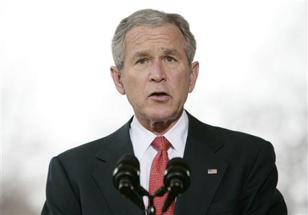 President George W. Bush makes a statement about the economy outside of the Oval Office at the White House in Washington, March 7, 2008. REUTERS/Larry Downing