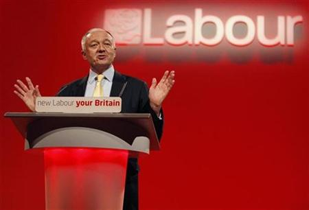 London Mayor Ken Livingstone speaks during the Labour Party spring conference in Birmingham, central England, February 29, 2008. Livingstone said on Monday that Boris Johnson is ''remarkably dim'' on public transport issues and warned voters not to trust his Tory rival to oversee huge infrastructure projects in the next decade. REUTERS/Darren Staples (BRITAIN)