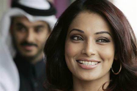 Actress Bipasha Basu attends the Qatar Masters Golf tournament in Doha January 26, 2008. REUTERS/Fadi Al-Assaad/Files