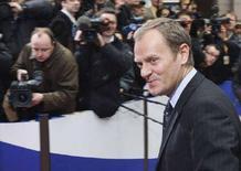 <p>Премьер-министр Польши Дональд Туск прибыл в штаб-квартиру Совета ЕС в Брюсселе для участия в саммите Евросоюза 14 марта 2008 года. Польша не станет препятствовать началу переговоров России и Евросоюза о новом пакте о сотрудничестве после того, как были выполнены ее условия в области энергетики, сообщил Туск (REUTERS/Yves Herman)</p>