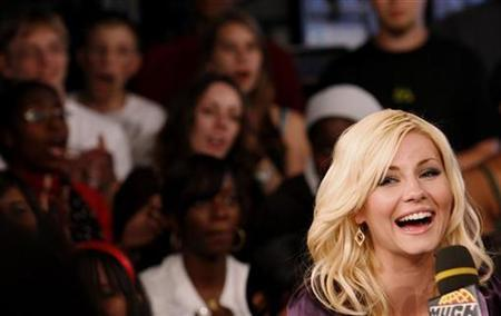 Elisha Cuthbert is interviewed at the MuchMusic television station to promote her upcoming movie ''Captivity'' in Toronto June 22, 2007. REUTERS/Mark Blinch
