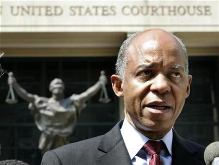Rep. William Jefferson (D-LA) after arraignment proceedings against him in Alexandria, Virginia, June 8, 2007. The U.S. Supreme Court said on Monday that it won't overrule a decision that FBI agents violated the rights of the Democratic congressman during a search of his office, a decision the Bush administration says will hamper future public corruption investigations. REUTERS/Larry Downing