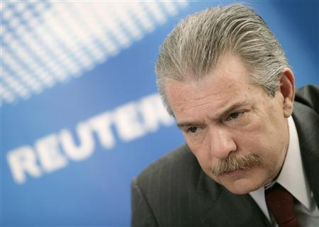Juan Rebolledo, Grupo Mexico's vice-president for international relations, listens to a question at the Reuters Summit in Mexico City April 1, 2008. REUTERS/Andrew Winning