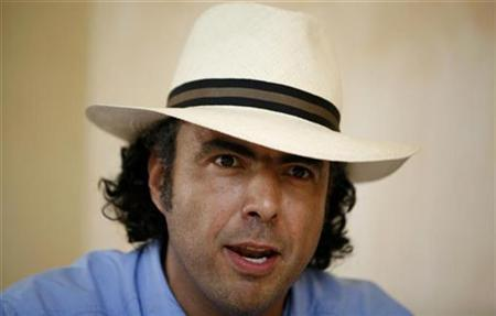 Mexican director and producer Alejandro Gonzalez Inarritu talks during a news conference in Manzanillo in Mexico's state of Colima June 15, 2007. REUTERS/Daniel Aguilar